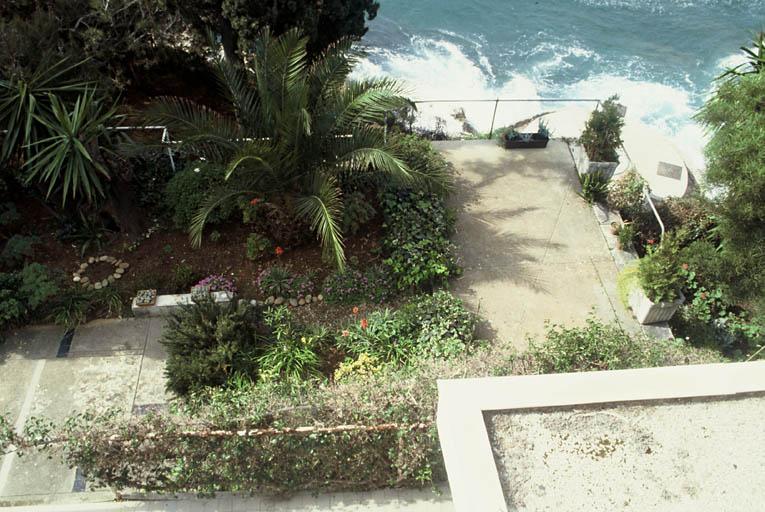 Maison dite Villa E. 1027 (Villa Eileen Gray ou Maison en bord de mer ; villa Badovici ; villa Schelbert)