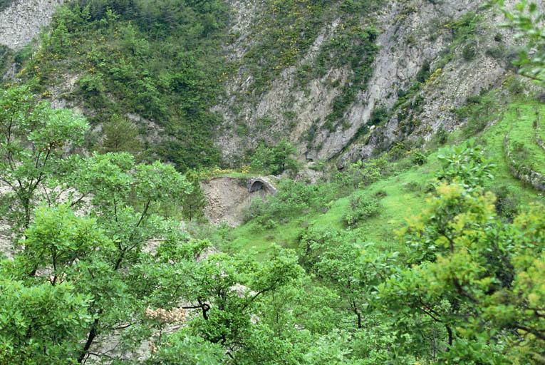 pont médiéval sur la Roudoule, dit le pont romain