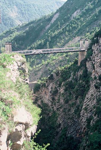 pont suspendu sur la Roudoule, dit pont de Saint-Léger