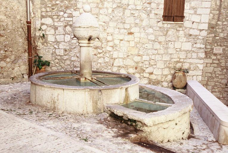 Fontaine de la place Lascaris