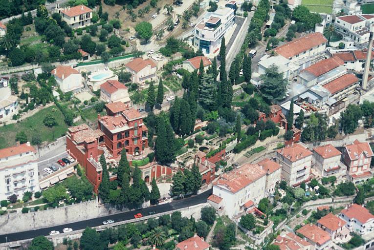 parfumerie Charabot, villa La Sabranette, actuellement villa Santa Clara et jardin