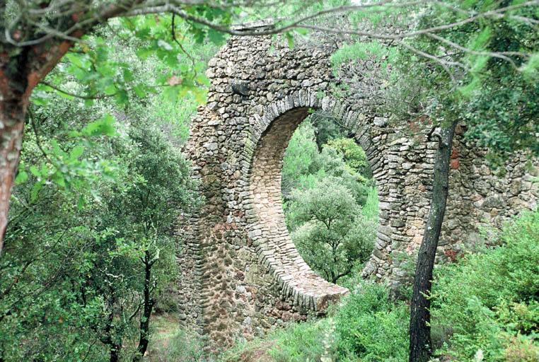 Aqueduc (ancien)