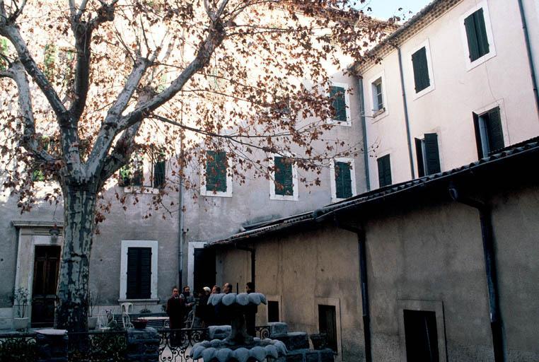 Couvent de la Visitation (ancien), église dite chapelle de l'ancien couvent ou des Pénitents gris, bâtiments conventuels jouxtant la chapelle