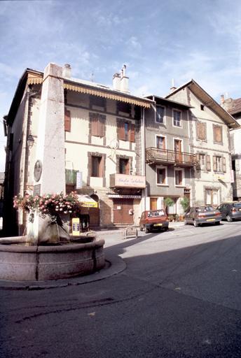 Maisons place de la Valette