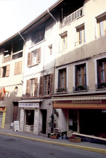 Maisons dans le village