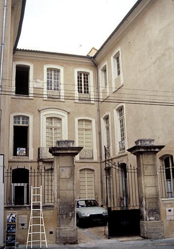 Sous-préfecture, ancien hôtel de Canilhac