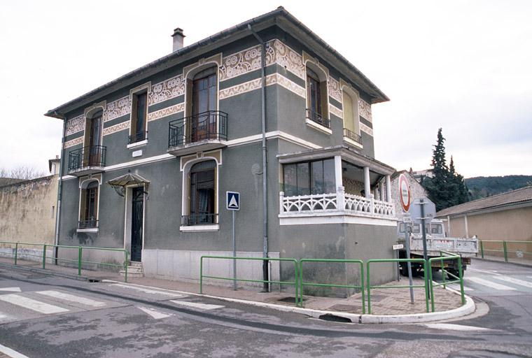 """Maison dite Villa """"do mi si la do ré"""" ou Villa verte, des années 30"""