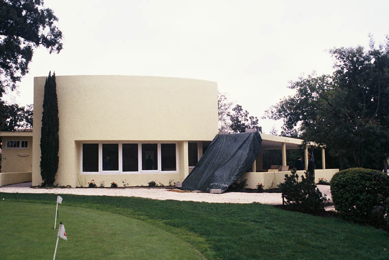 Édifice de sport et loisir dit club-house du golf de Beauvallon