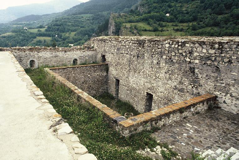 fortification d'agglomération, enceinte urbaine avec les forts de France et de Savoie