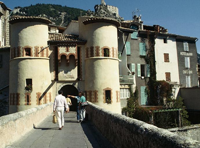 fortification d'agglomération, enceinte urbaine et citadelle
