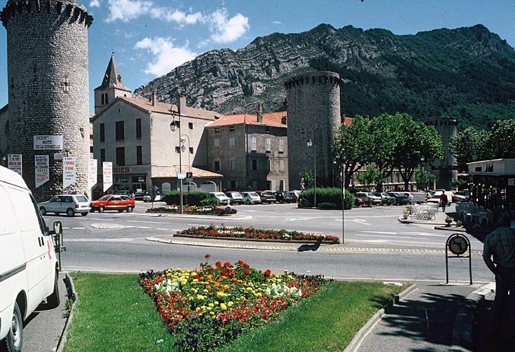 fortification d'agglomération, enceinte urbaine