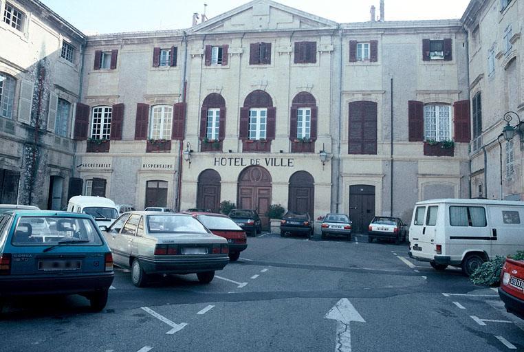 Château (ancien), actuel hôtel de ville