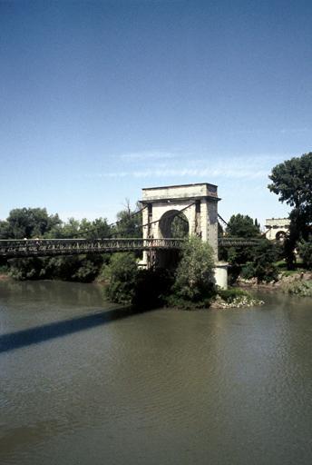 Pont suspendu de Fourques