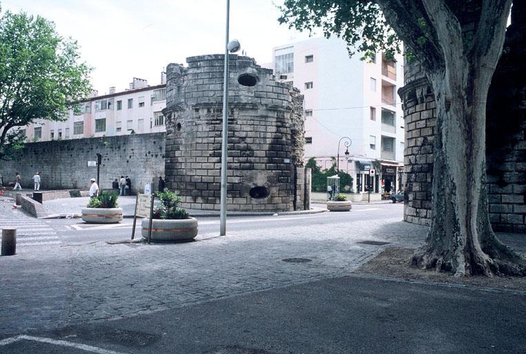 Fortification d'agglomération (remparts ou Porte de la Cavalerie, Porte de la Redoute, Tour de la Roquette)