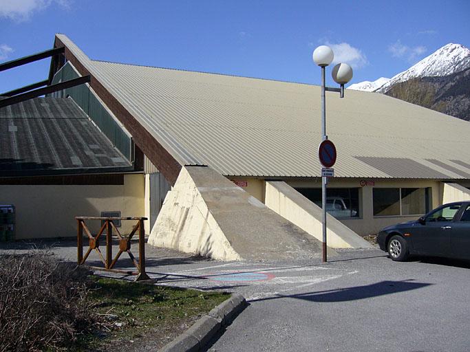 Patinoire, architectes H. P. Maillard et P. Ducamp