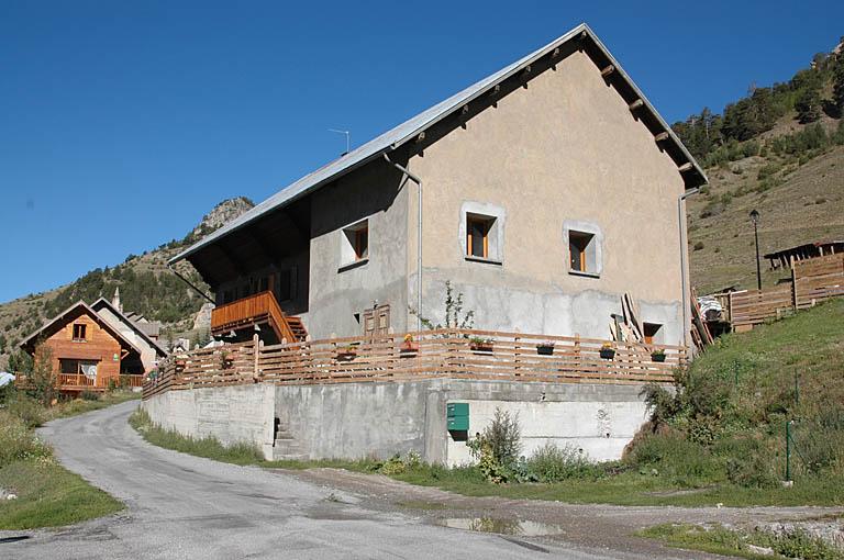 Maison-ferme dite de la reconstruction, urbanisme