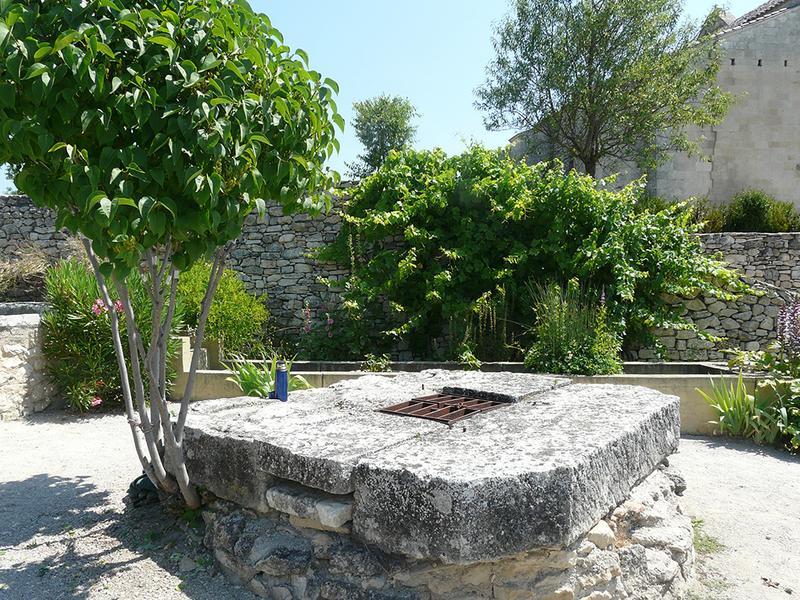 Prieuré Notre-Dame-de-Salagon, jardin ethnobotanique