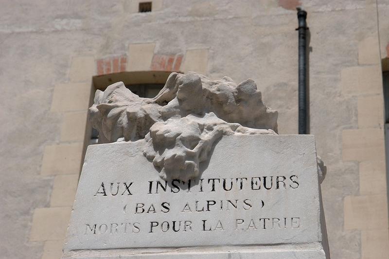 Monument aux instituteurs bas-alpins morts pour la patrie