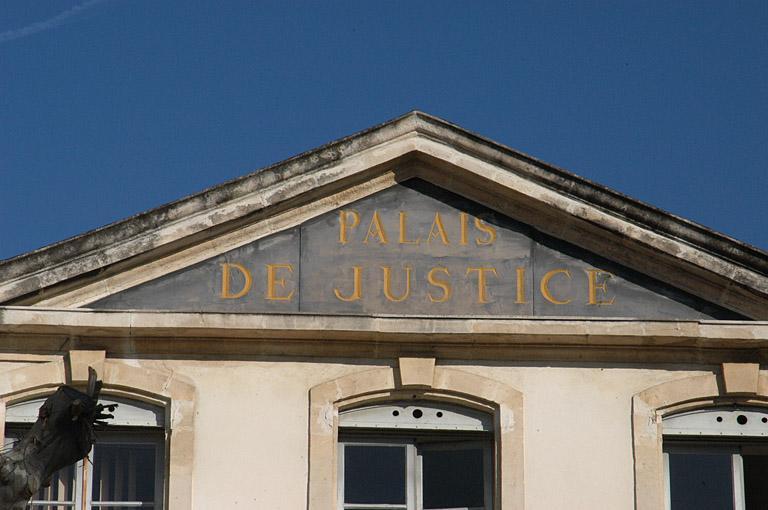 Hôtel de Gras de Prègne, palais de justice, tribunal de grande instance