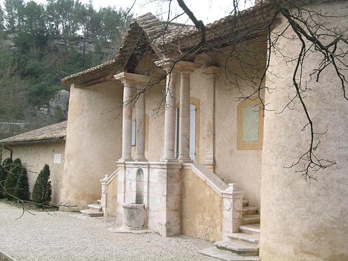 Pavillon du Roi René (ancien) ou Pavillon des Quatre Tours, actuel centre régional d'Information sur la forêt