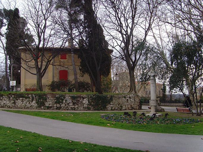 Monument à Frédéric Mistral