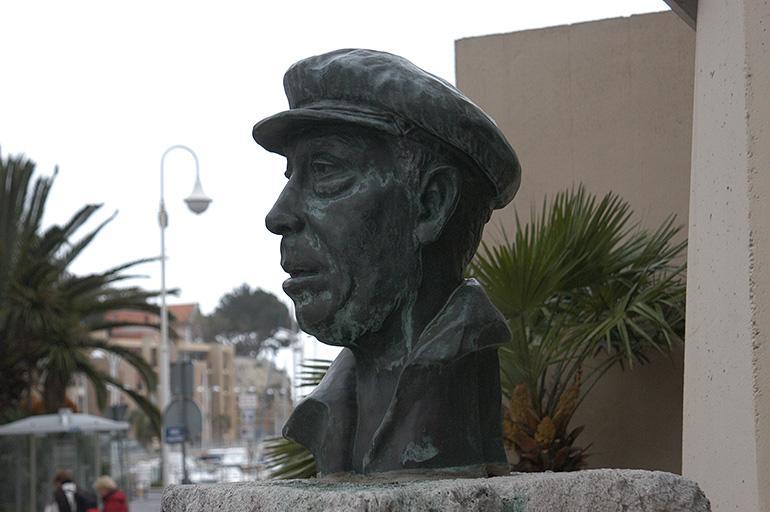Monument commémoratif à Fernandel
