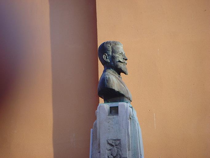Monument à Erasme Guichet