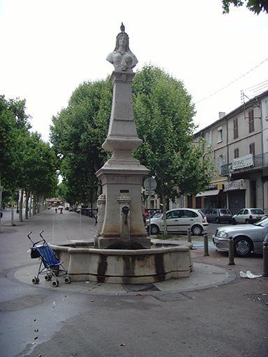 Monument à la République, fontaine de la République, monument à la marquise de Gueydan