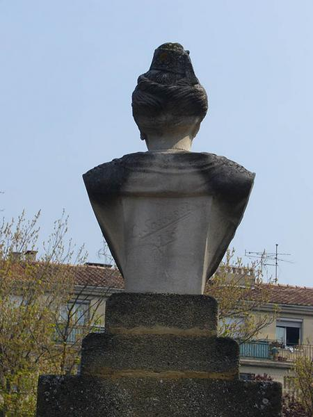 Monument à la Brémonde de Tarascon