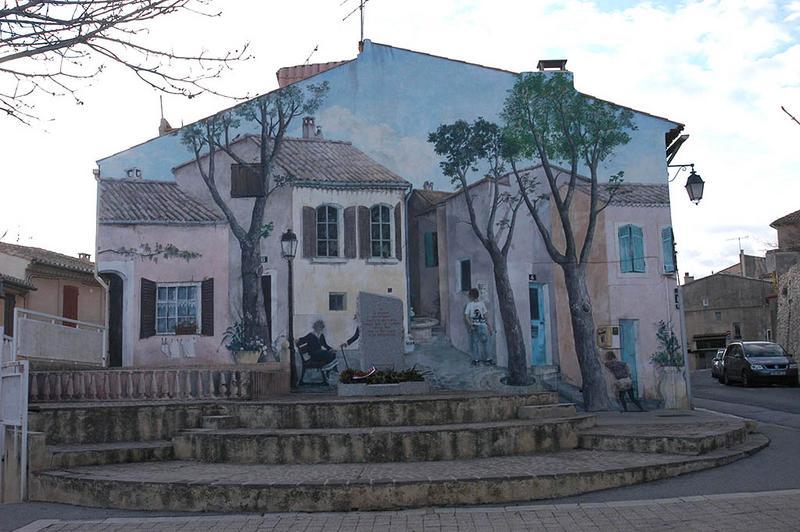 Maison à façade peinte