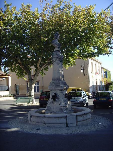 Monument à la République, fontaine de la République