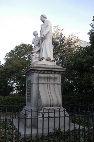 Monument commémoratif à l'abbé Louis-Toussaint Dassy