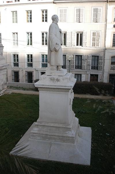 Monument à Pierre-Antoine Berryer