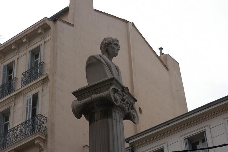 Monument commémoratif à Pierre Puget