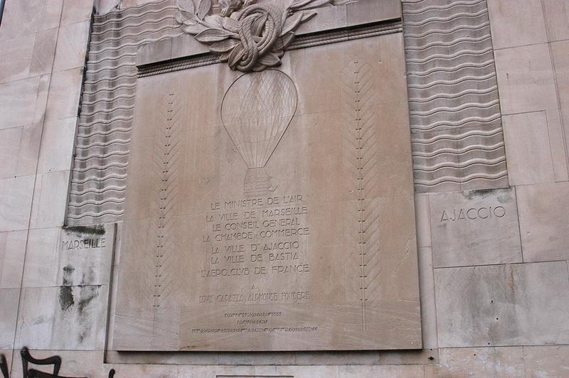 Monument à Capazza et Fondère