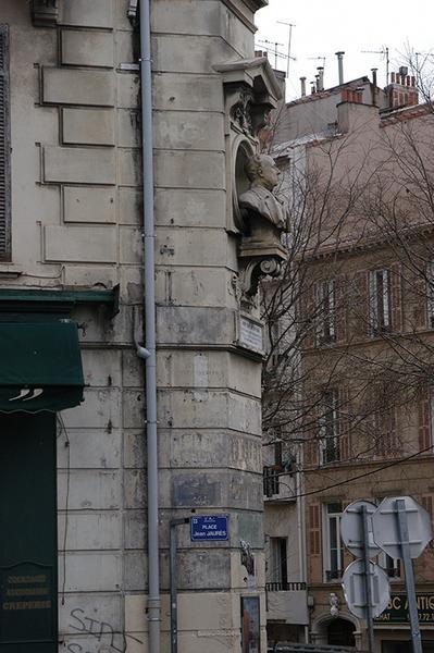 Monument à André Chave
