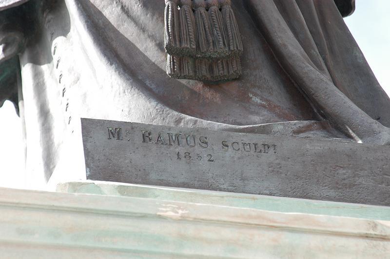 Monument à monseigneur de Belsunce