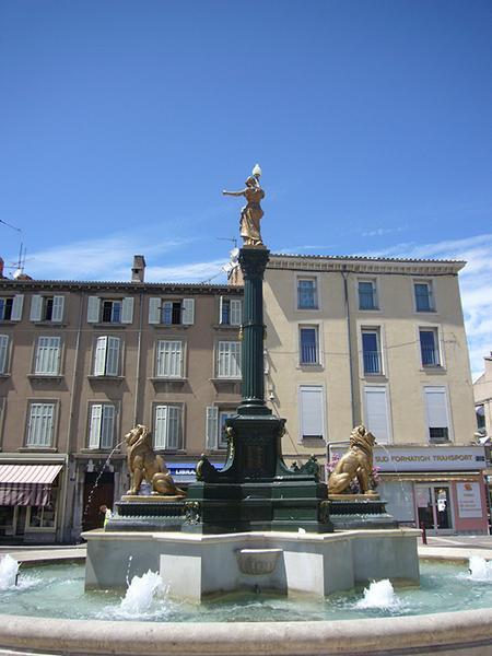 Monument commémoratif à l'arrivée des eaux.
