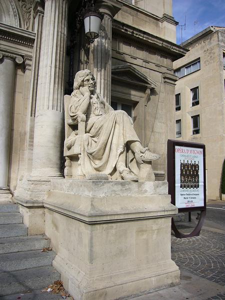 Monument commémoratif à Molière, statue