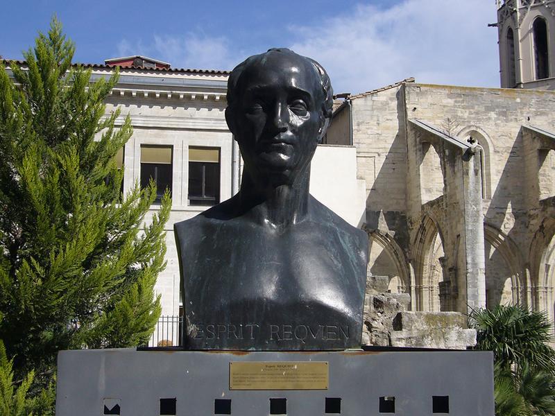 Monument commémoratif à Esprit Requien