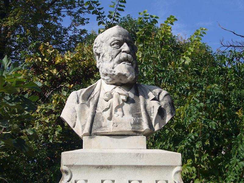 Monument commémoratif à Joseph Roumanille