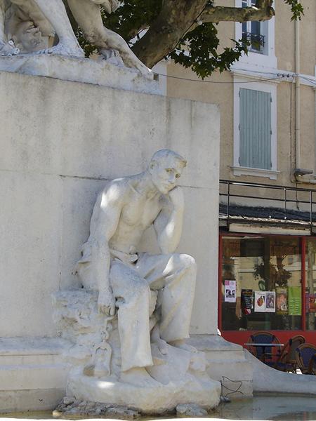 Monument commémoratif à Félix Charpentier : les lutteurs, fontaine