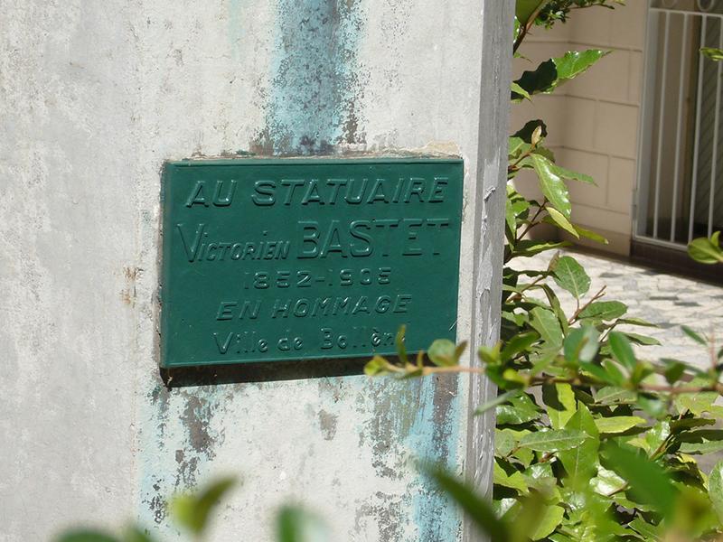 Monument commémoratif à Victorien Bastet