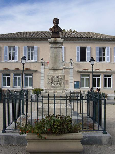 Monument commémoratif à Goujon d'Alcantara