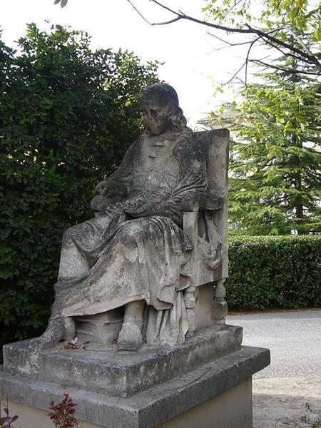 Monument commémoratif à Corneille, statue