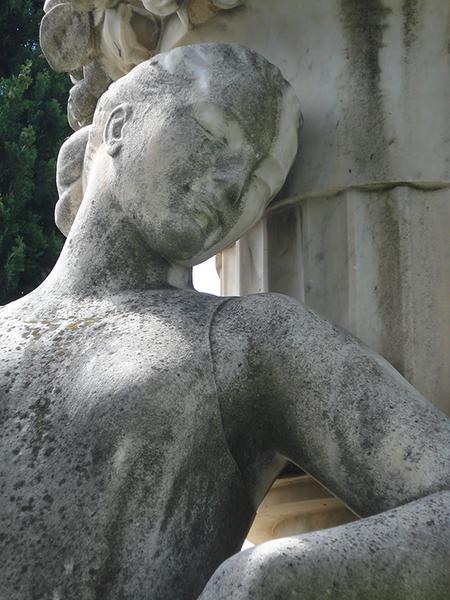 Monument commémoratif à Robert Laurent-Vibert, fontaine
