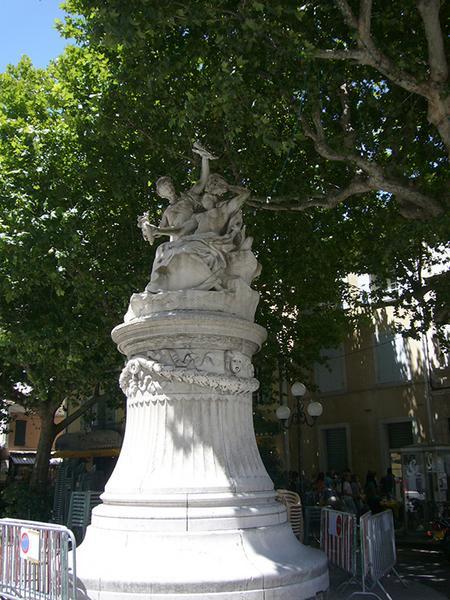 Monument commémoratif à la comédie, sculpture d'Injalbert