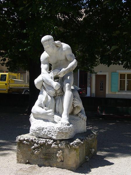 Monument commémoratif, sculpture de Samson terrassant un lion