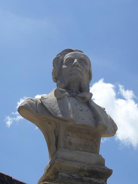 Monument commémoratif à Antony Réal