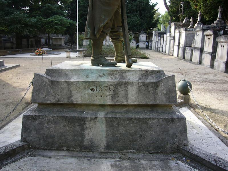 Monument aux morts de la guerre de 1870, la sentinelle des morts